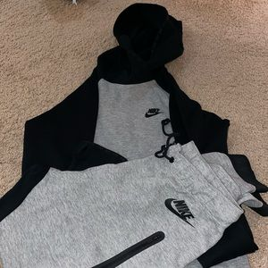 Nike Dri-Fit Jogging Suit